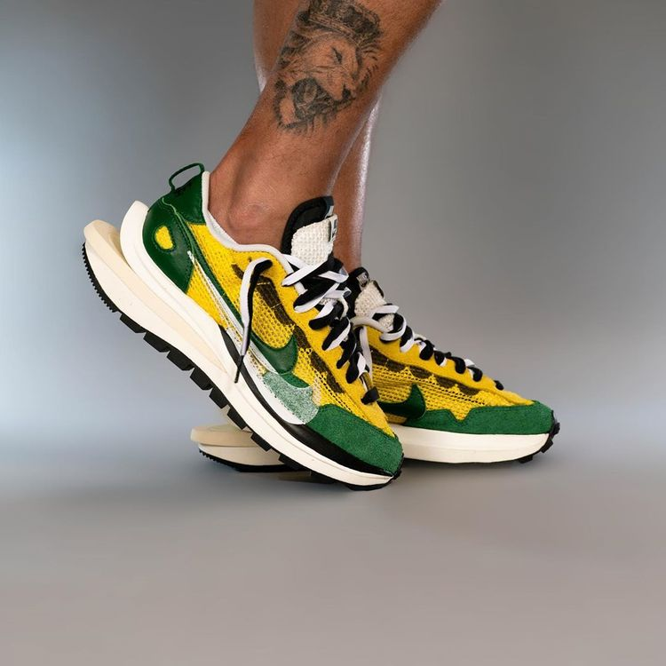 Sacai X Nike Vaporwaffle green